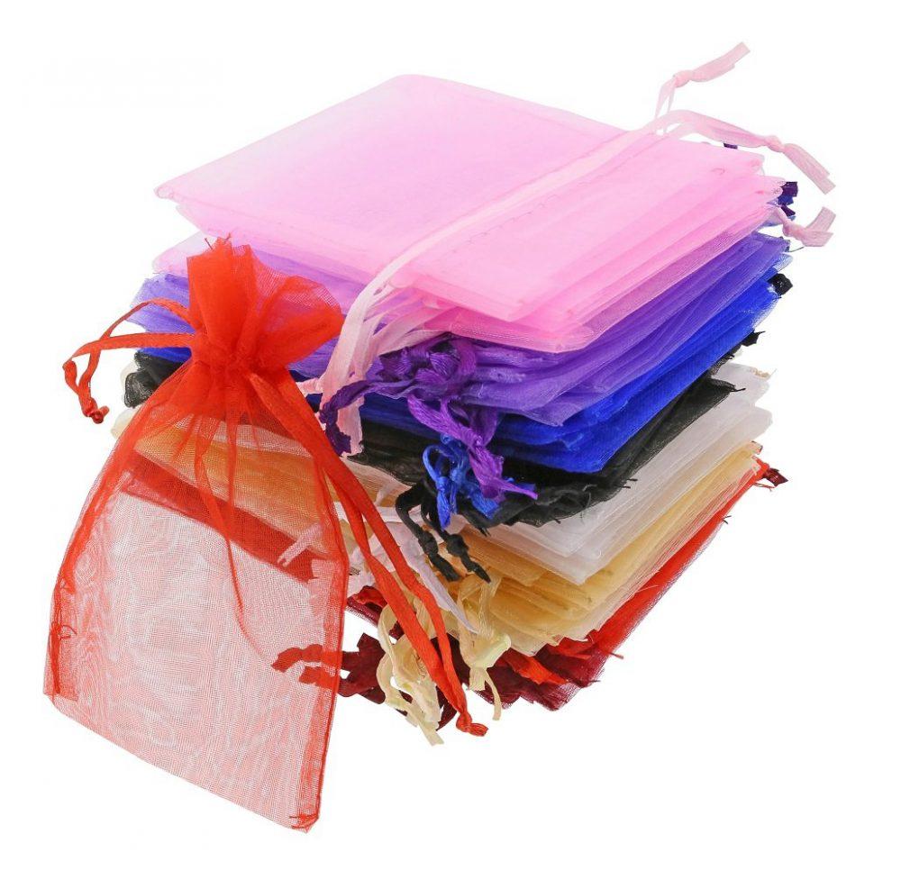 Mini bolsas de organza tamaño 7 x 12 cm.